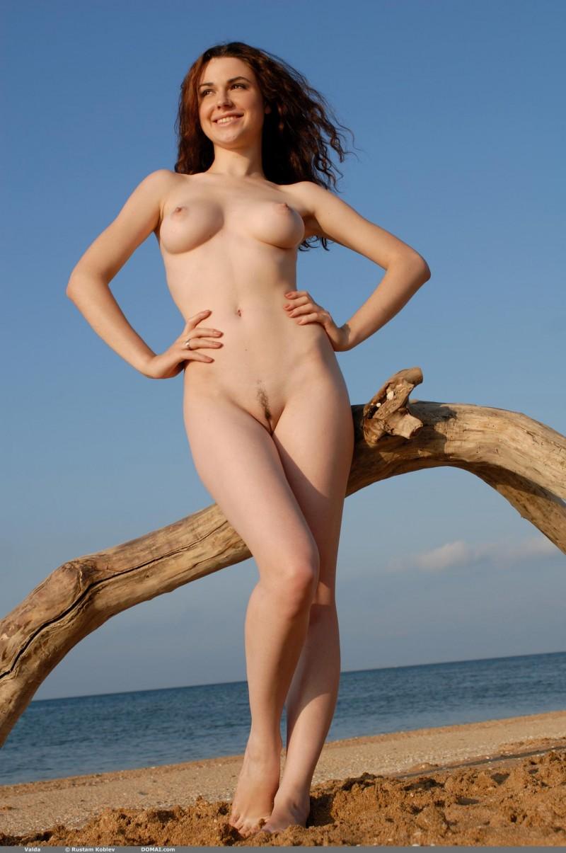 naked females at seaside