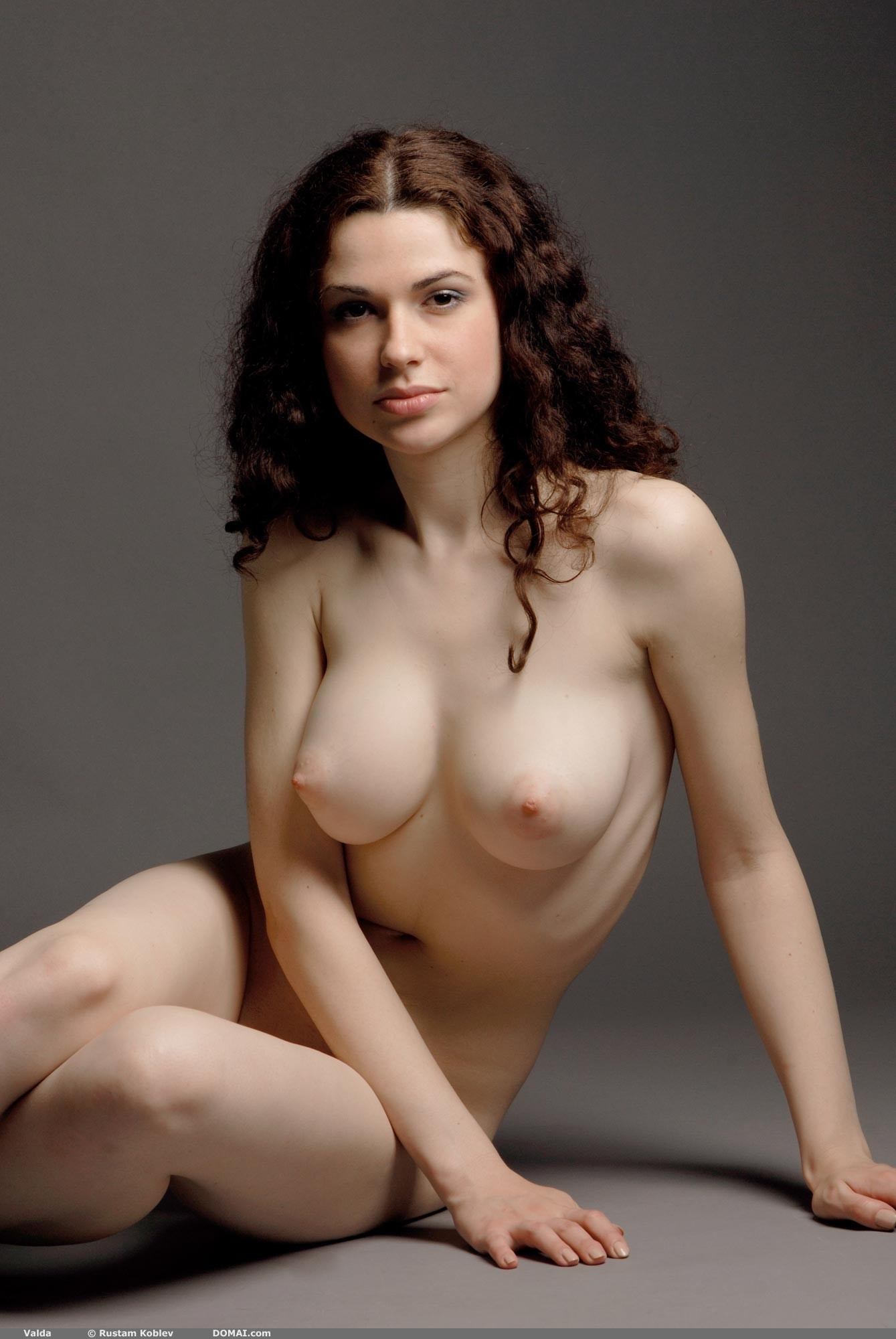 pale-beauties-nudes-guys-first-facial-video
