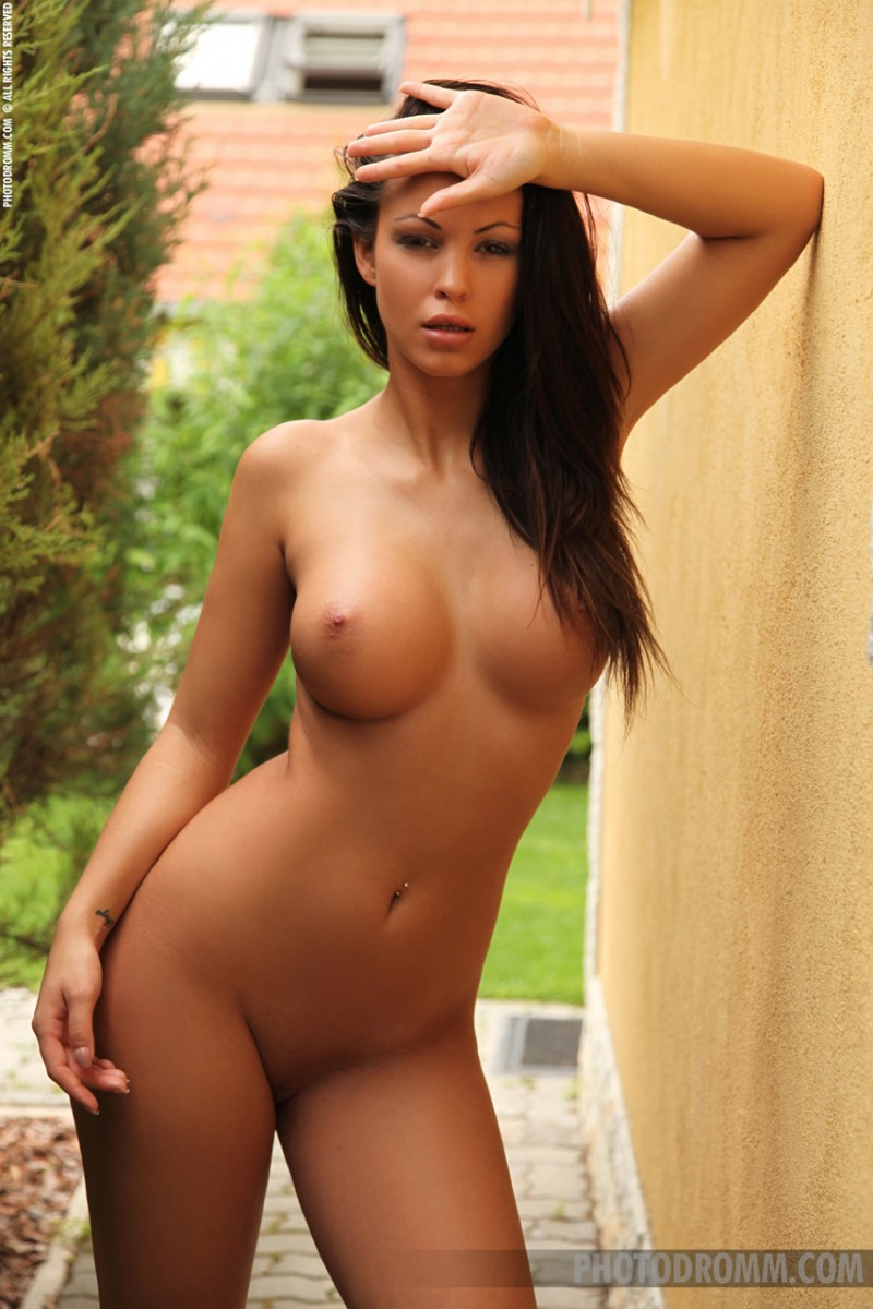 smokin hot asian woman naked