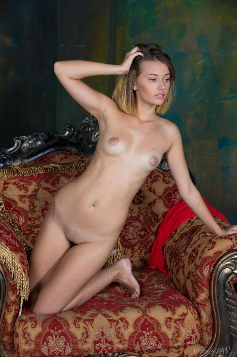 Hot naked girls anel