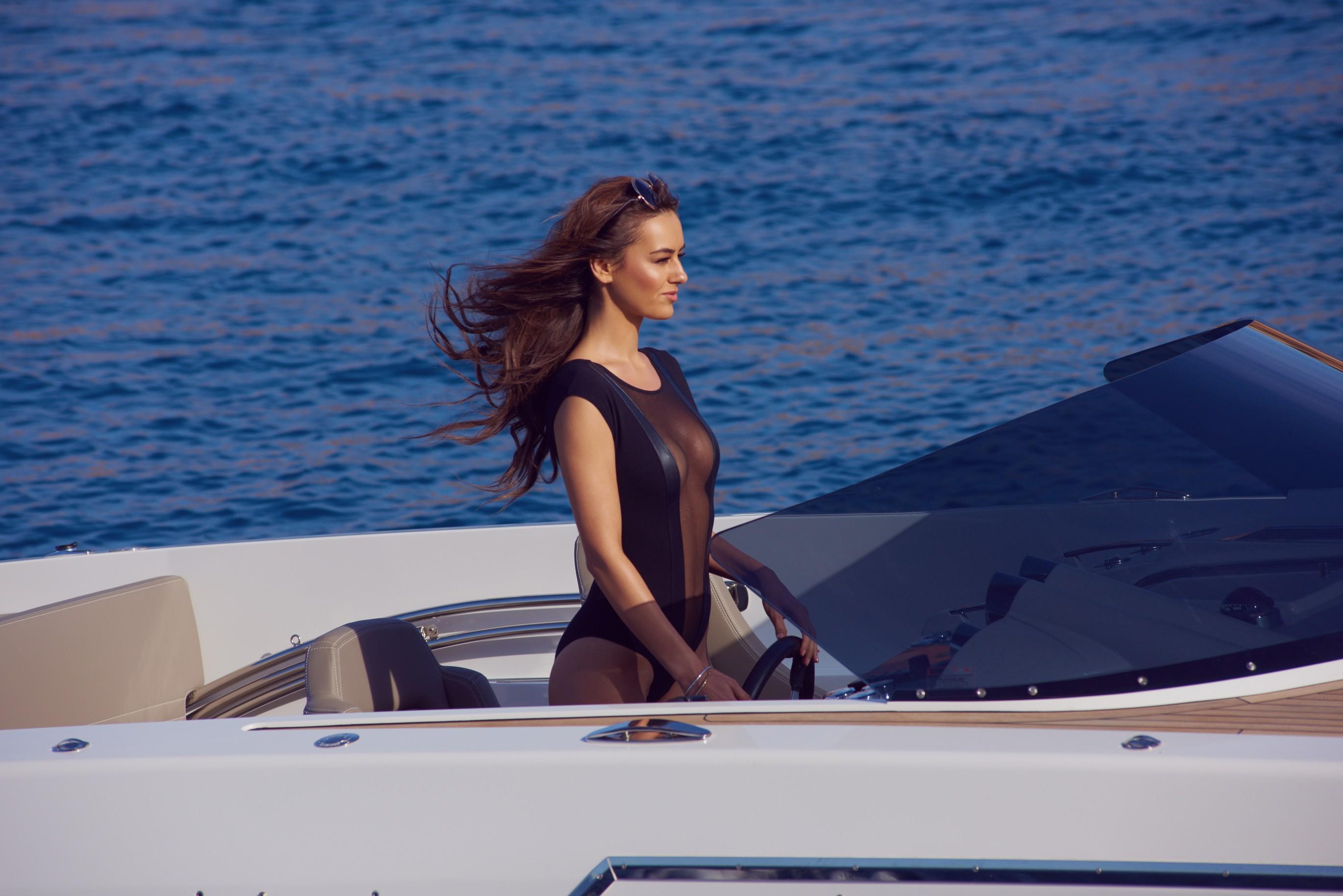 veronika-klimovits-naked-diving-motorboat-seaside-playboy-01
