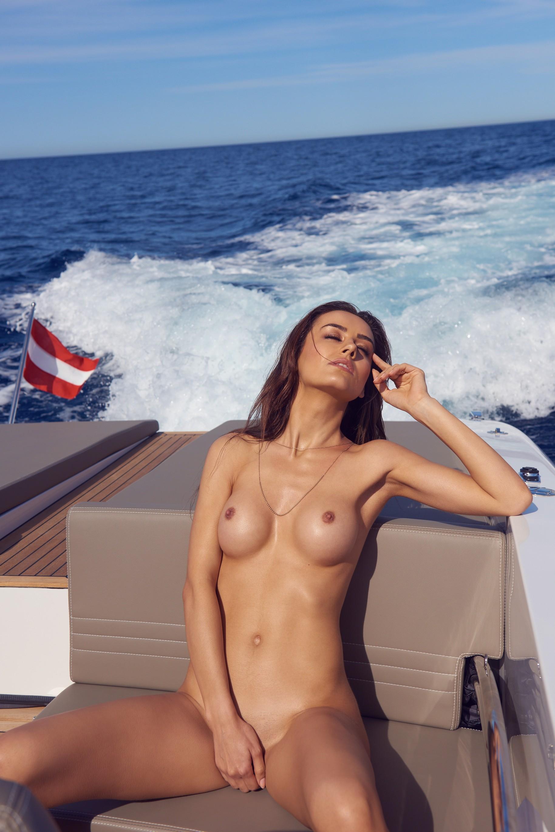 veronika-klimovits-naked-diving-motorboat-seaside-playboy-08