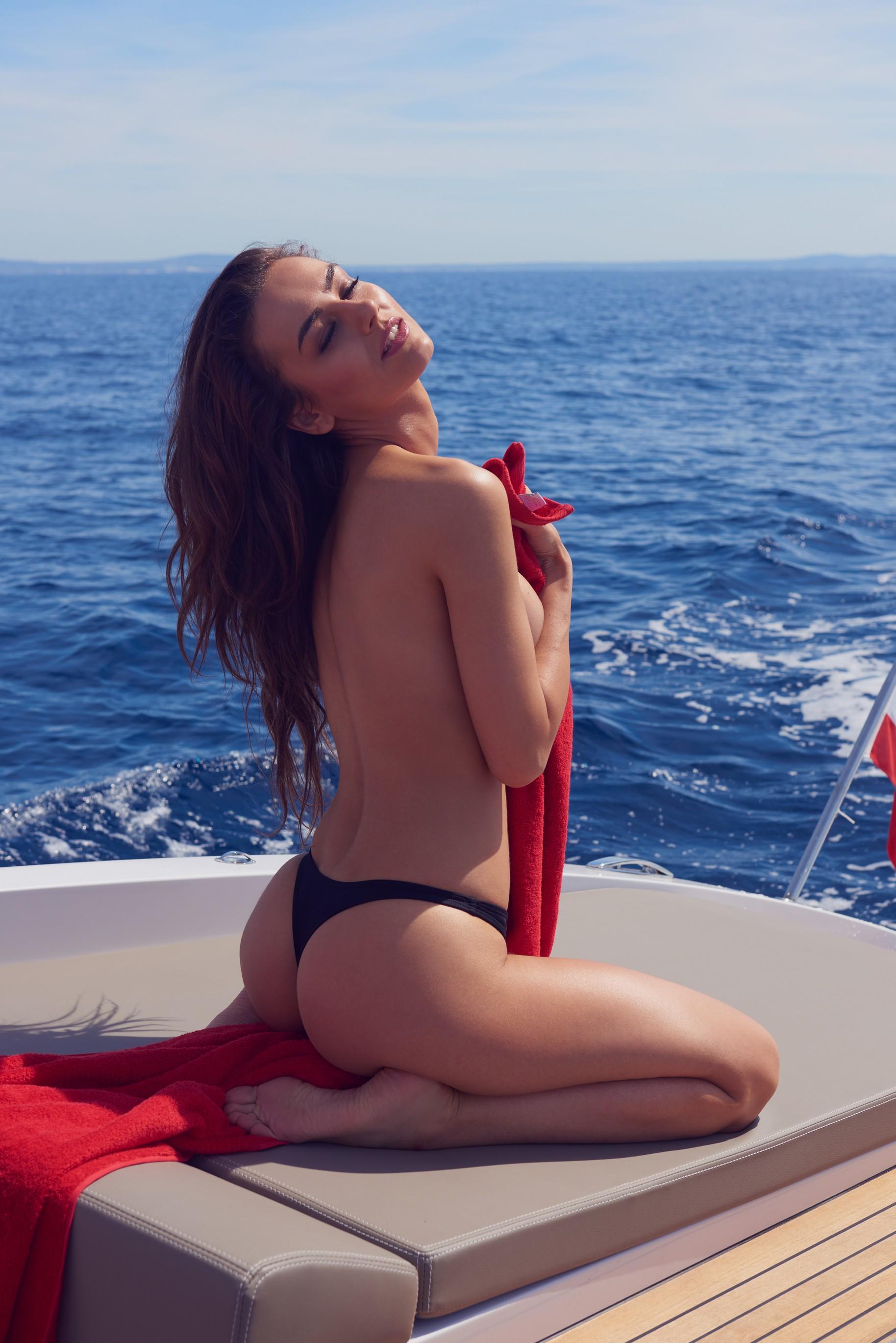 veronika-klimovits-naked-diving-motorboat-seaside-playboy-15