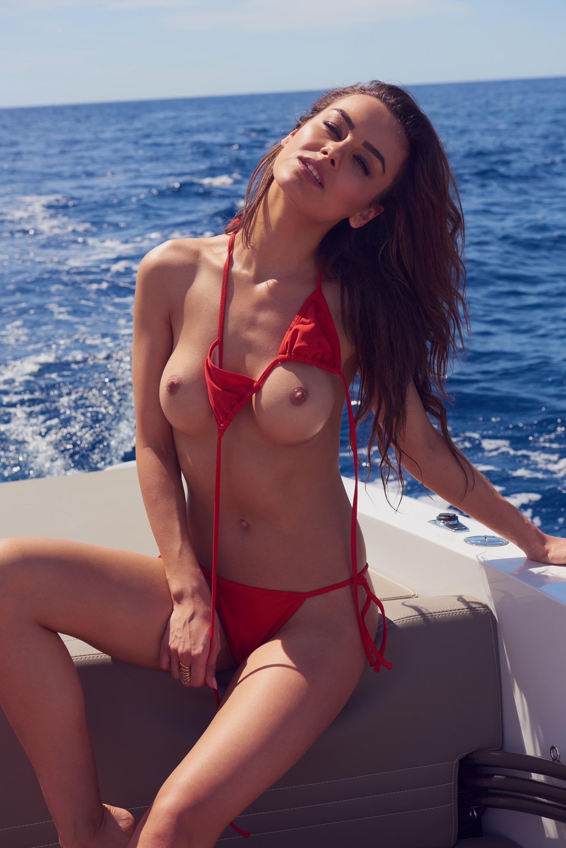 veronika-klimovits-naked-diving-motorboat-seaside-playboy-20