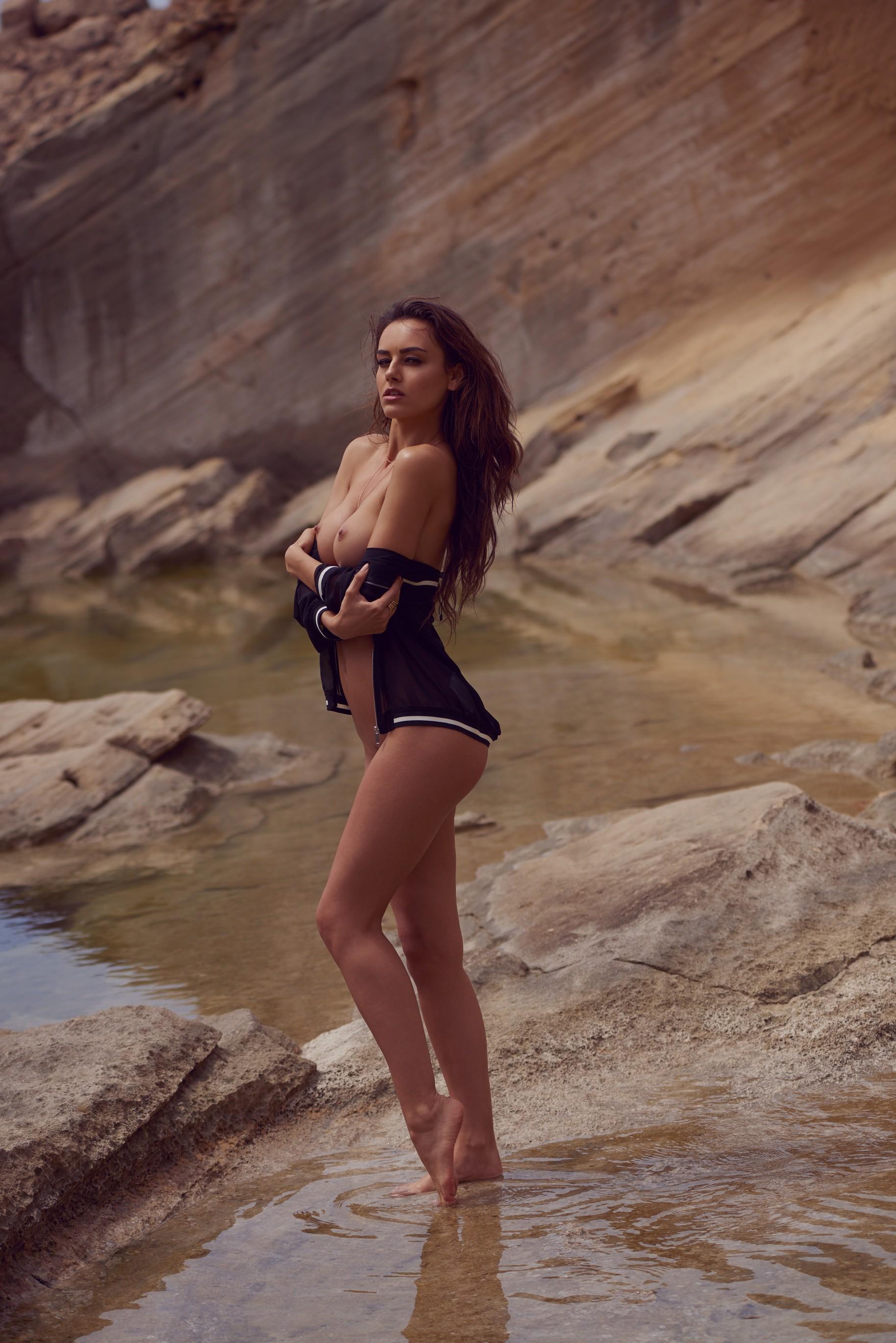 veronika-klimovits-naked-diving-motorboat-seaside-playboy-26