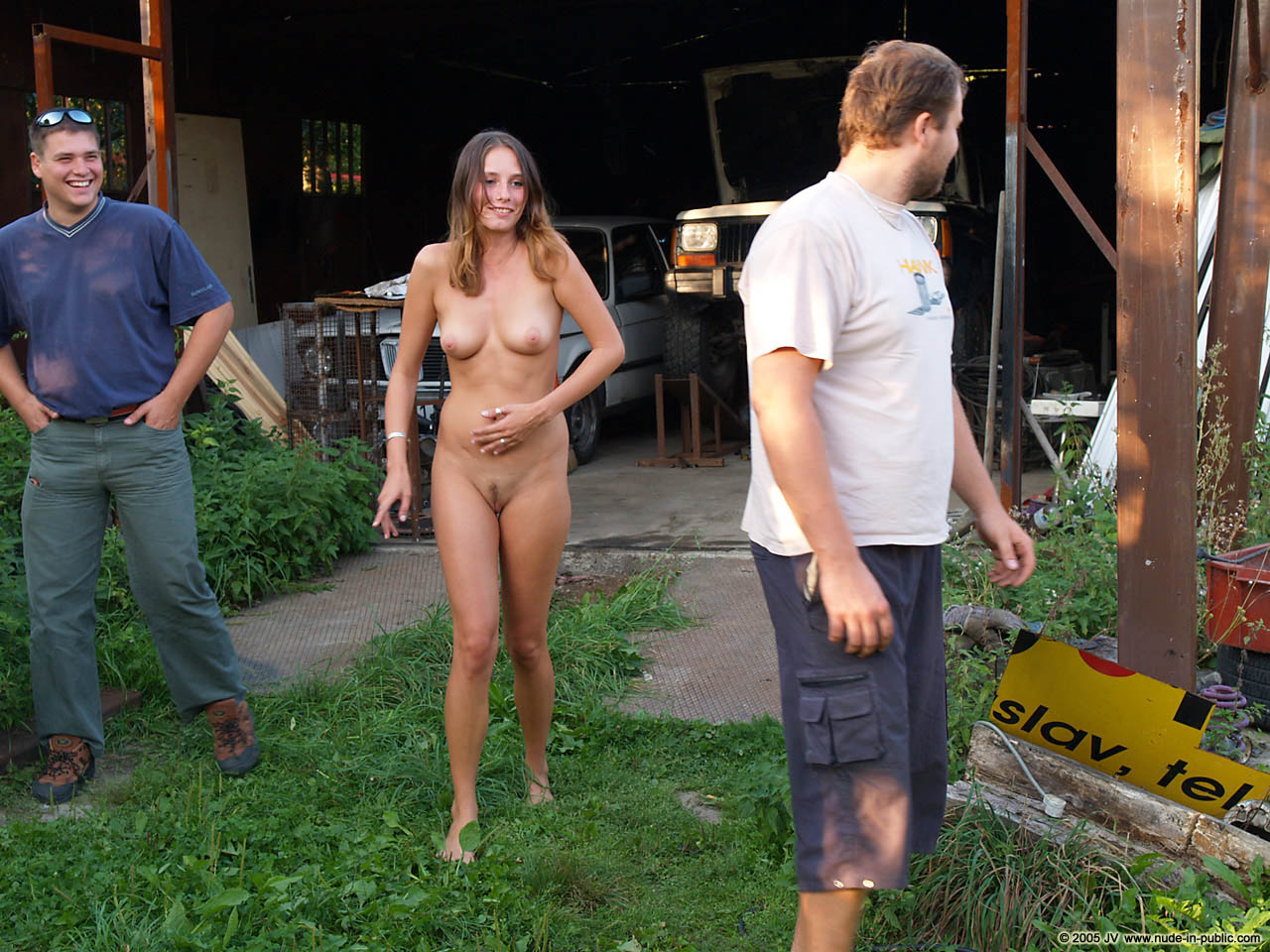 veronika-e-junkyard-cars-mechanic-nude-in-public-22