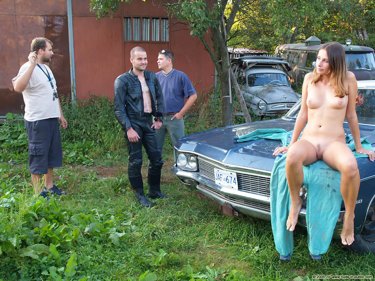 veronika-e-junkyard-cars-mechanic-nude-in-public-37