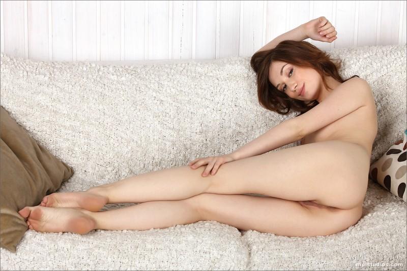 Nude vicca mpl