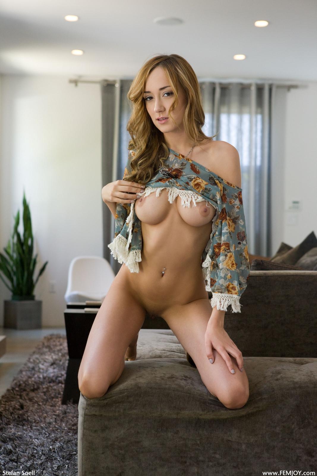 victoria-rae-slim-naked-boobs-apartment-femjoy-14