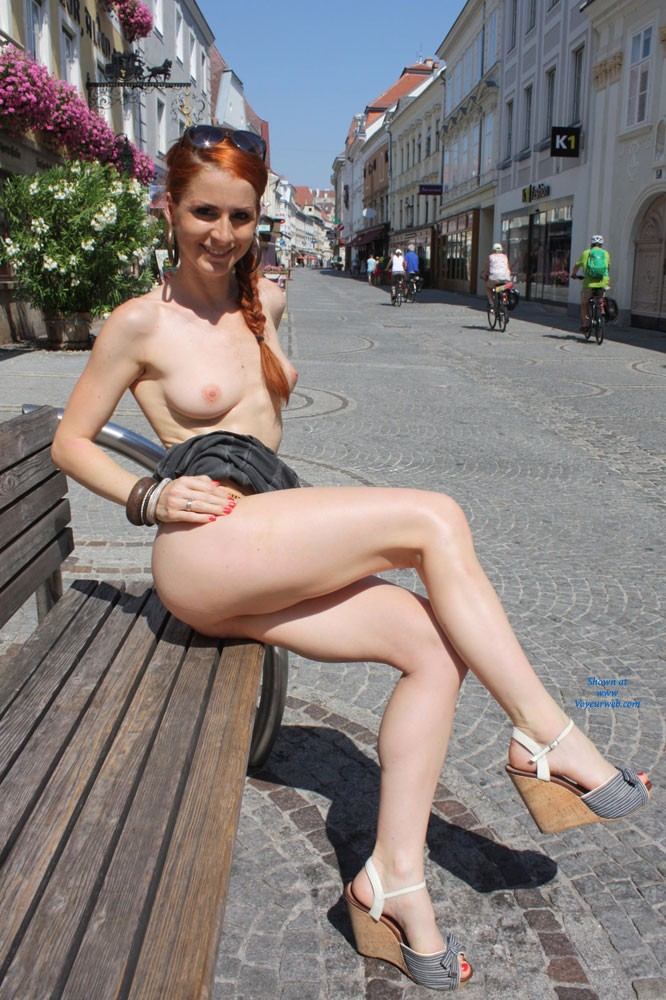 nude-redheaded-famous-females