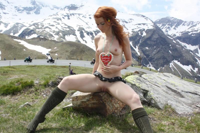 Mountain boobs flash