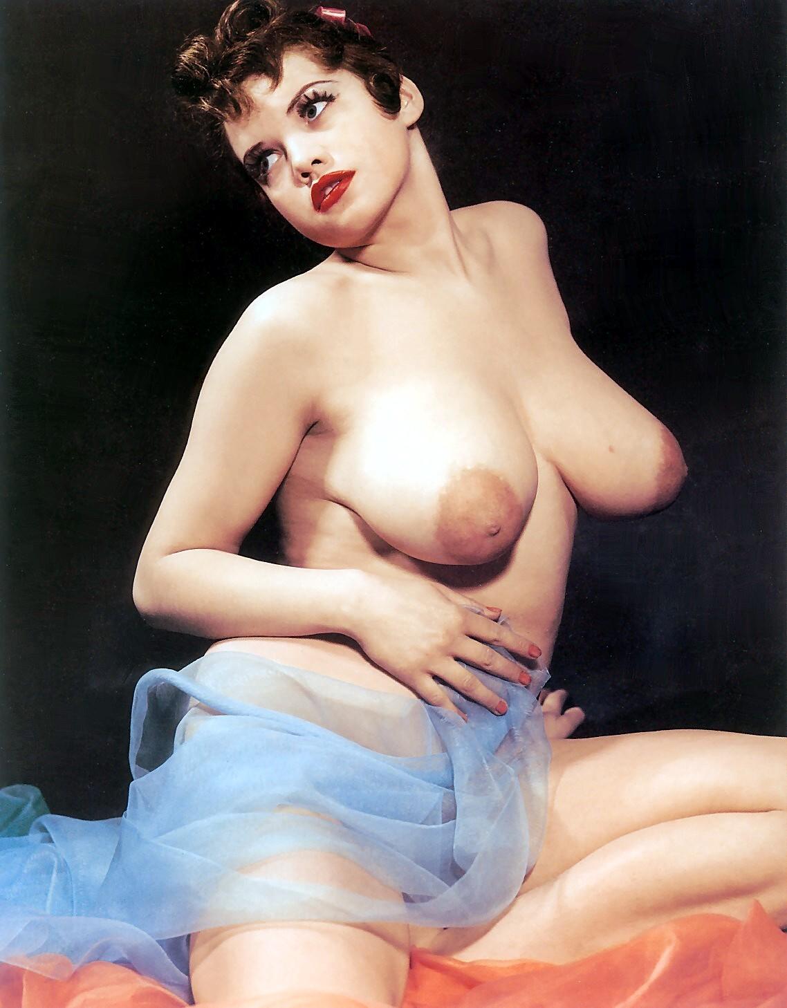 vintage-small-boobs