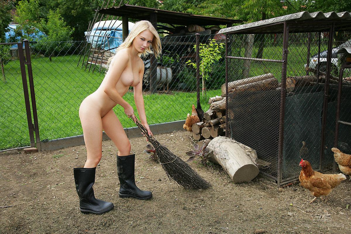 эта гармония голые деревенские девушки на ферме стюардессы переполнено она