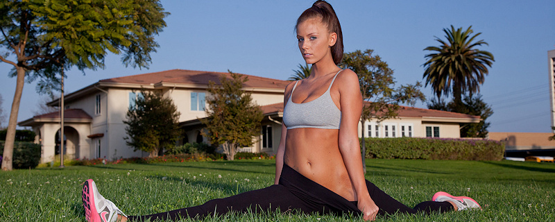 Whitney Westgate – Morning outdoor workout