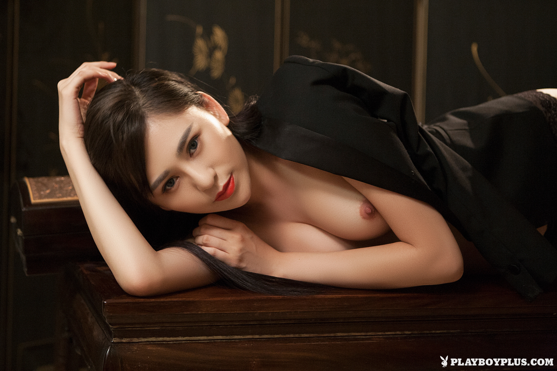 wu-muxi-naked-chinese-black-jacket-playboy-03