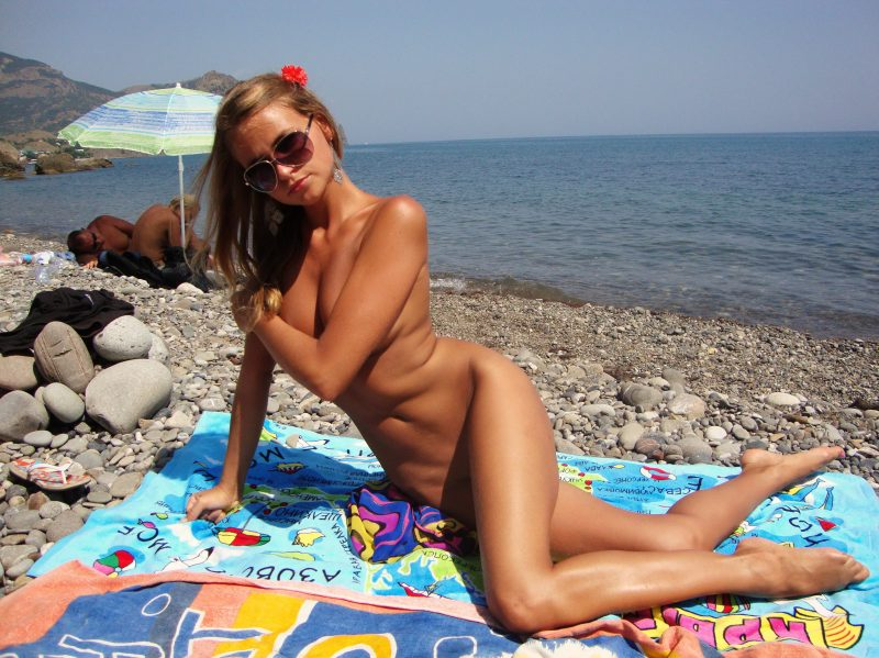 Realty 599.jpg nude blonde girl pics