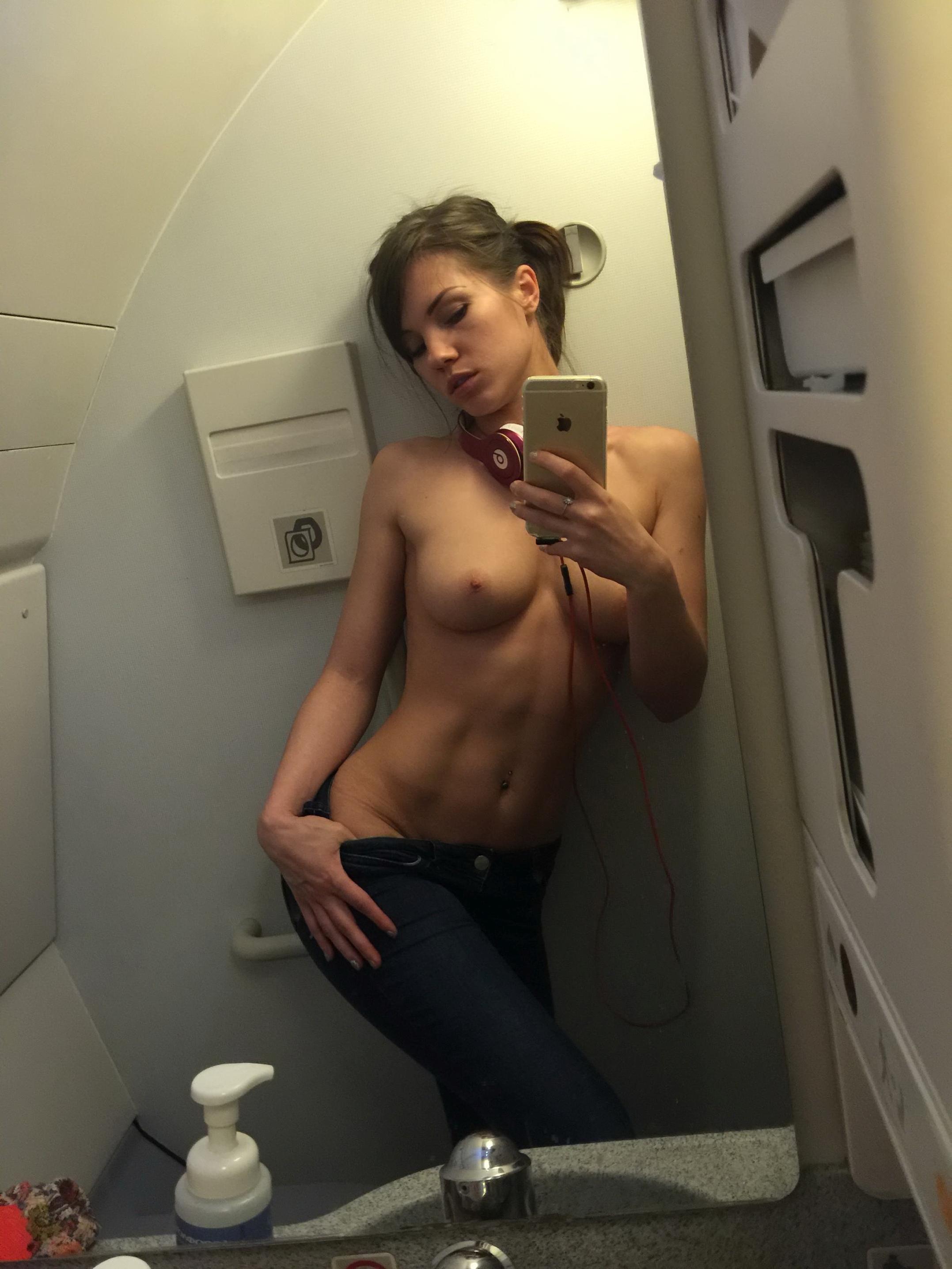 Selfie nackt amateur Amateur Porn