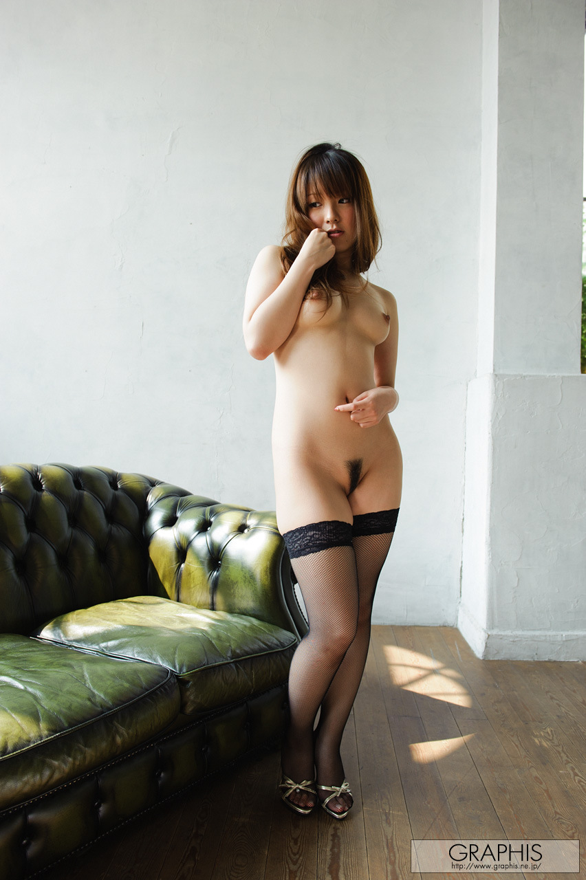 yui-hinata-fishnet-stockings-naked-graphis-20