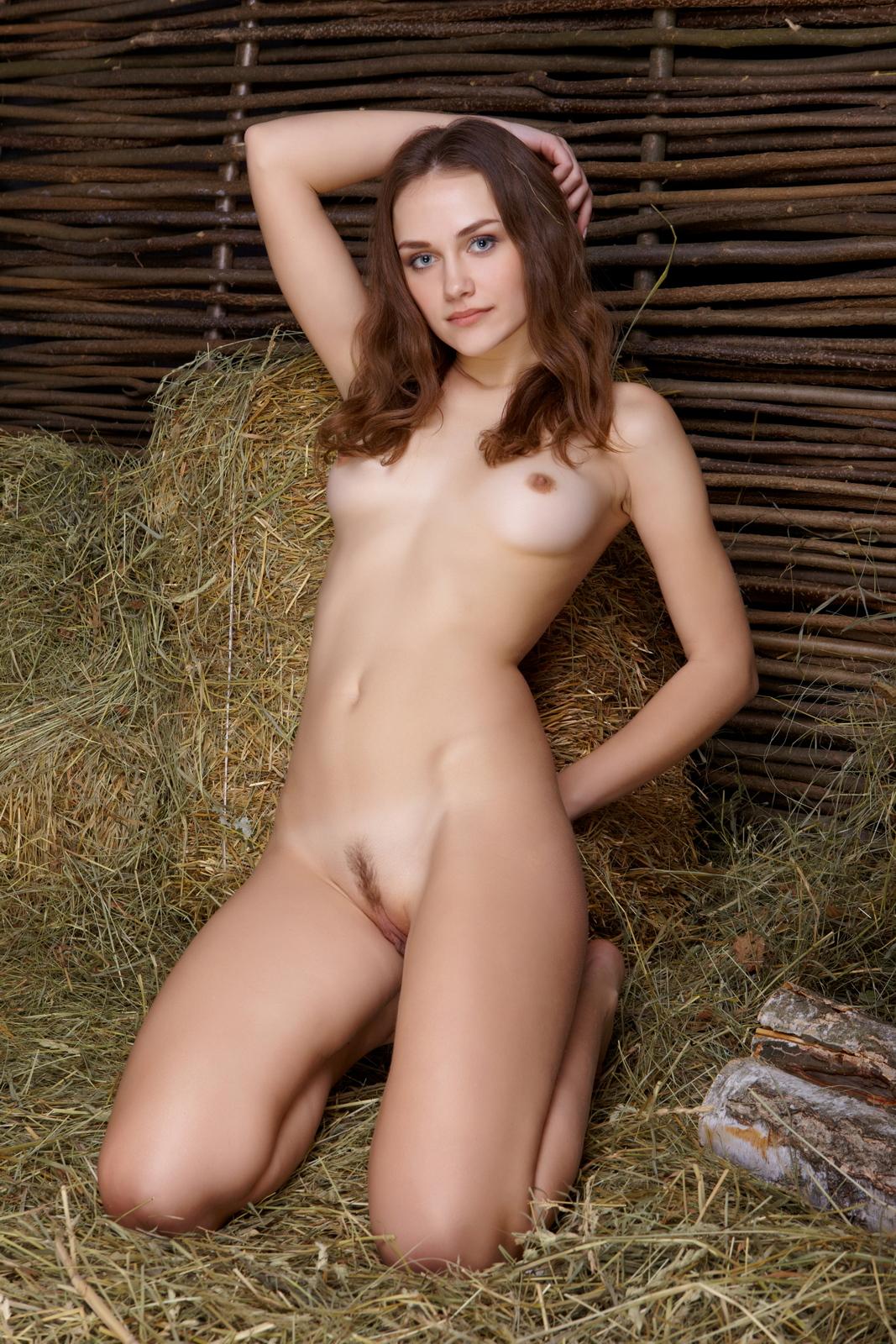zlatka-a-nude-on-hay-barn-pussy-metart-35
