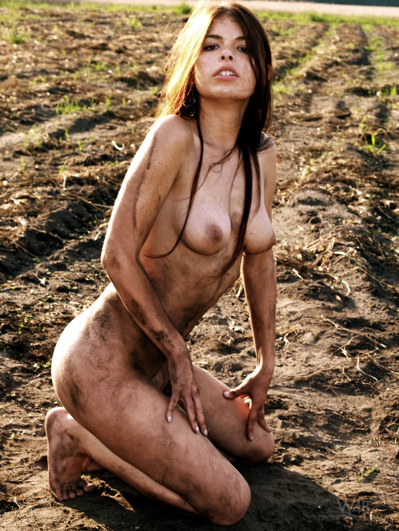 Zuzana  Dirty Girl - Redbust-8893