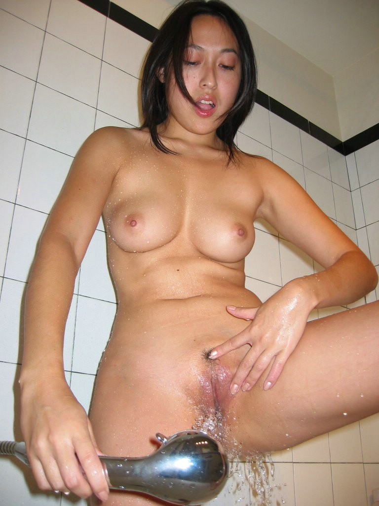 Amateur Asian Babe Taking A Shower - Redbust-9295