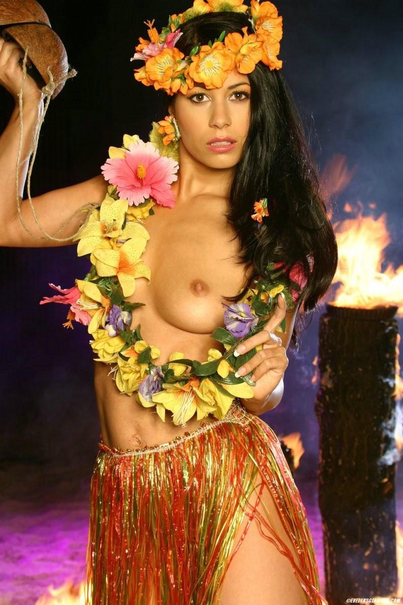 нощното шкафче гавайские дамы фото эротика трахают попку