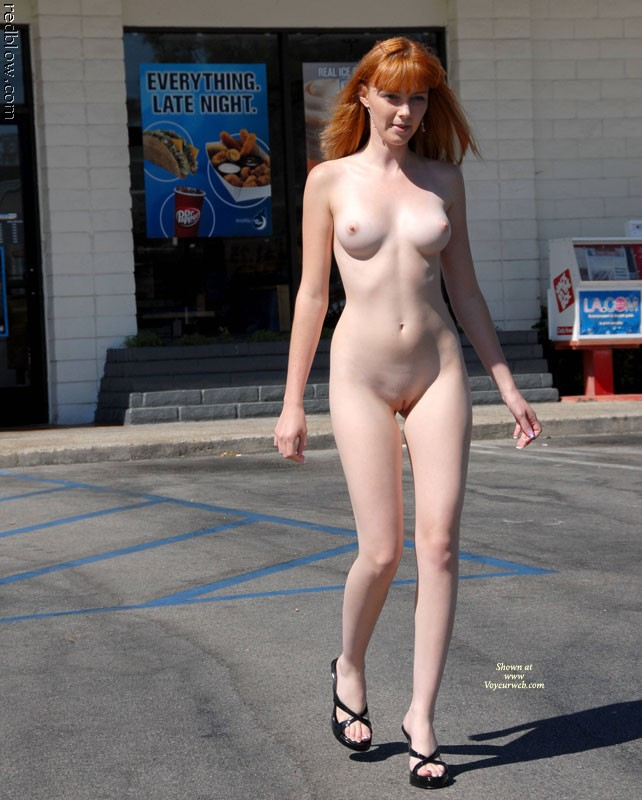 Pussy exposed in public