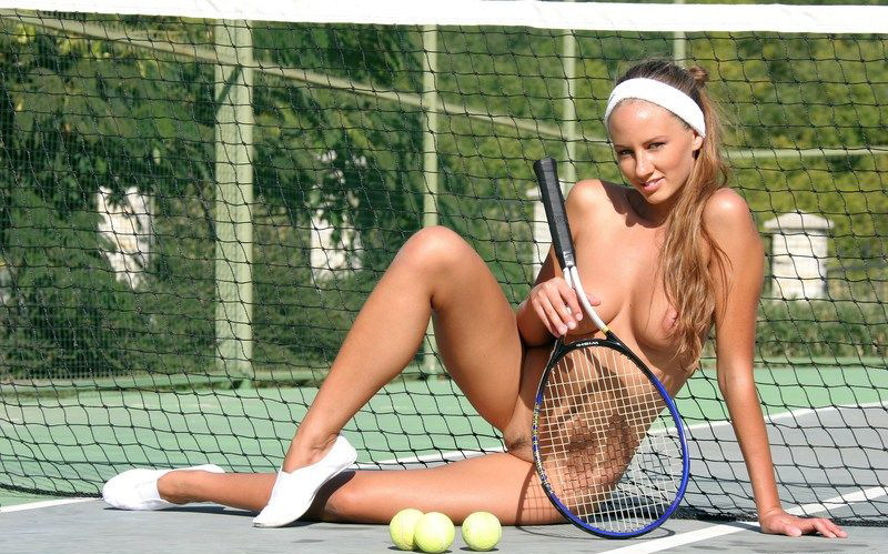 naked-woman-in-tennis-game-mom-teaches-son-fuck