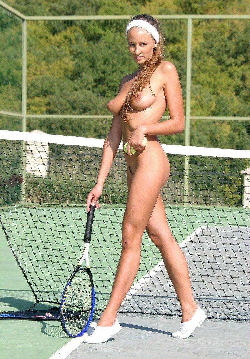 bolshoy-tennis-bez-trusikov-chastnie-foto-seksa-s-lyubovnitsami-i-podrugami-iz-sots-setey